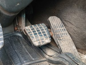 service brakes, brake pedal, Air brake knowledge test