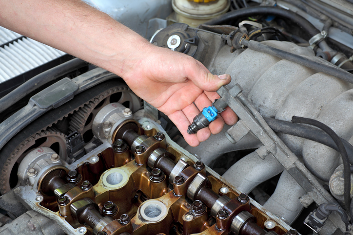 best Ways to Clean Diesel Fuel Injectors, diesel engine repair, truck repair, semi repair