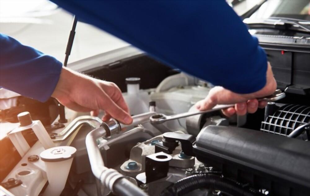 Car Mechanic, car repair, professional auto repair shop, car repair shops near me
